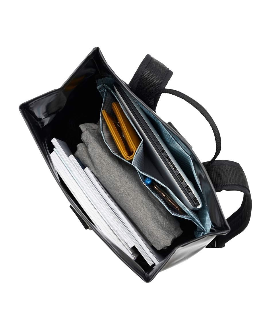 Black Backpack Norr Strap-06